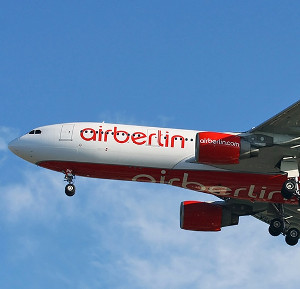air-berlin-stewardess