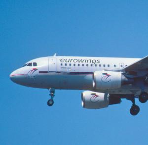 eurowings-stewardess